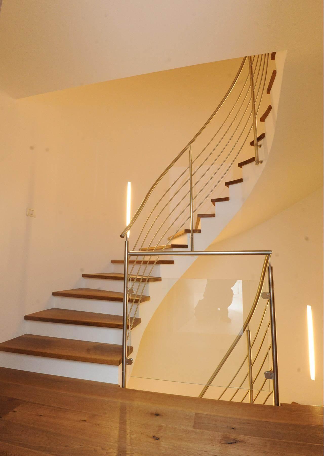 holzstufen auf betontreppe. Black Bedroom Furniture Sets. Home Design Ideas