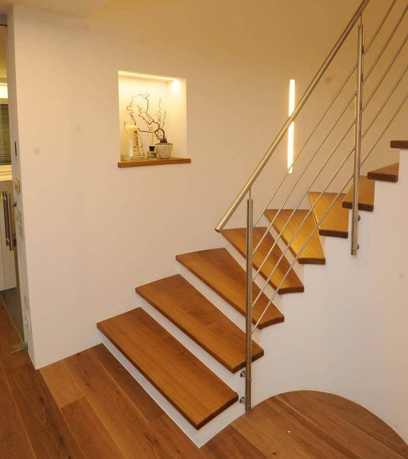 trittstufen in holz. Black Bedroom Furniture Sets. Home Design Ideas